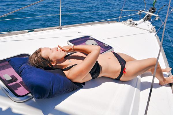 Из-за насыщенной культурной программы позагорать и полностью расслабиться Ксении удалось только на яхте
