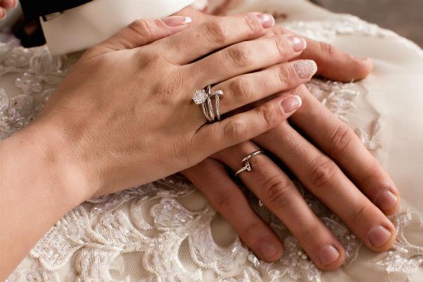 Мужчина купил для невесты кольцо за два с половиной миллиона