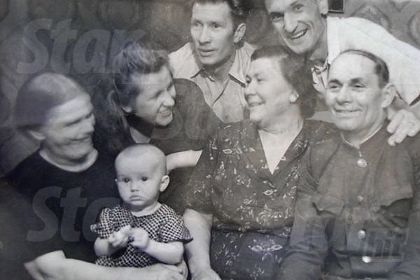 Алла встречает первый Новый год, 1950 г.