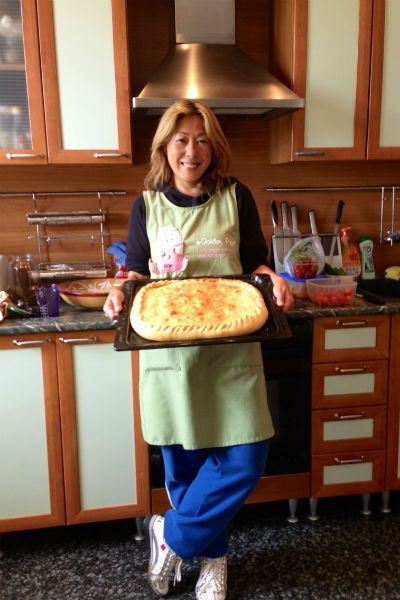 По сложившейся традиции, все угощение хозяйка дома готовила сама