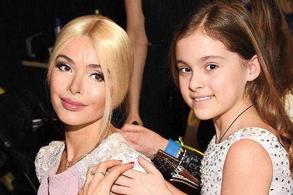 Алена Кравец с дочерью Даниеллой