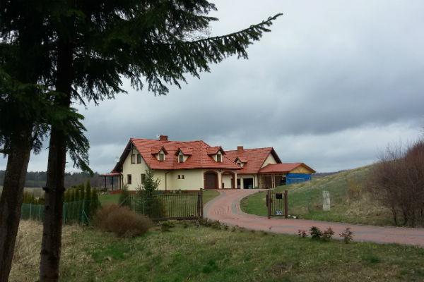 Усадьба Краевских в поселке Житкеймы расположена у леса