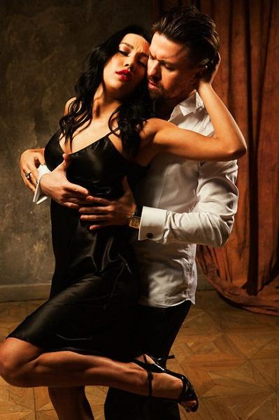 Парные танцы, по мнению Дмитрия, помогают понять женщин