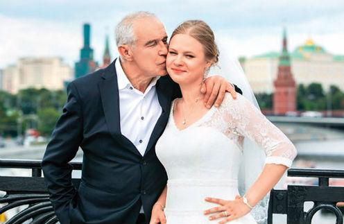 Сергей встречается с дочерью Дашей не только дома, но и на площадке – Гармаши работают вместе в кино
