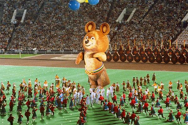 Кадры церемония закрытия Олимпиады в Москве до сих пор вызывают ностальгию