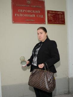 Доказать, что болт был найден в банке с консервами, Ирина пока не смогла
