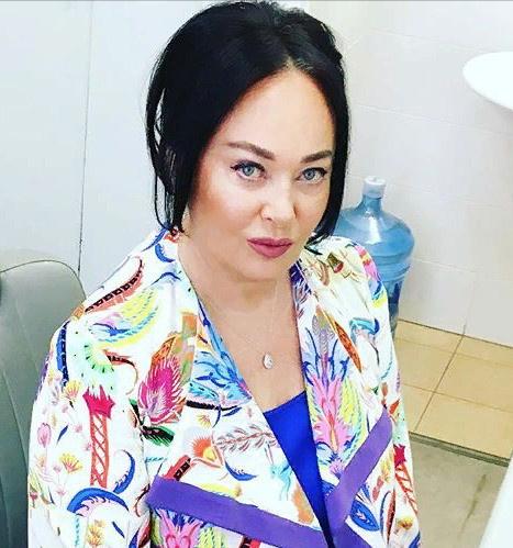 Лариса Гузеева всю себя посвящает заботе о маме