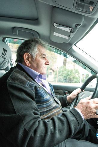 Сергей Ншанович за рулем. Honda - подарок Миши отцу на 60-летие