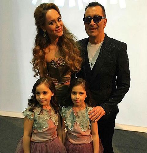 Анна Калашникова и Александр Буйнов с внучками