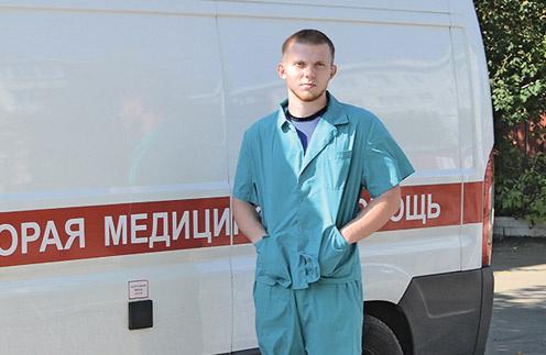 Фельдшер Владимир Урусов переехал в Иркутск два месяца назад
