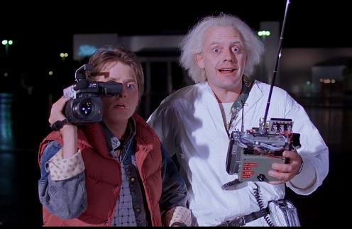Во второй части фильма машина времени Дока Брауна перенесла Марти Макфлая из 1985-го в 2015 год