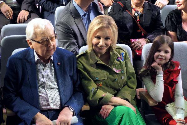 Олег Табаков, Марина Зудина с младшей наследницей Машей в марте прошлого года