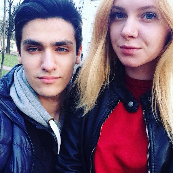 Олег с девушкой Ольгой