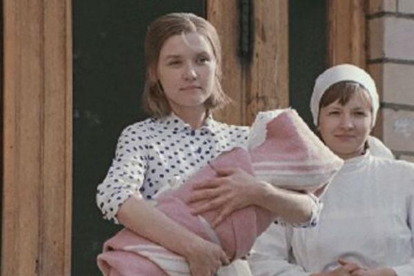 Актриса стала всенародной любимицей после выхода фильма «Москва слезам не верит»