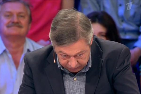 Михаил Ефремов показал, как его отец «включал антиобаяние»