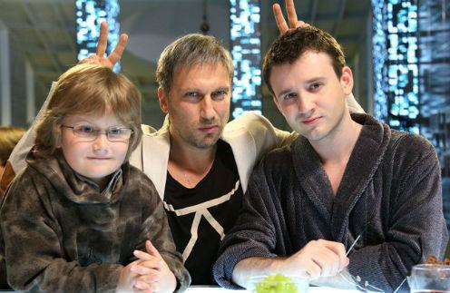 В сериале герою Нагиева сложно даются отношения с сыном и внуком