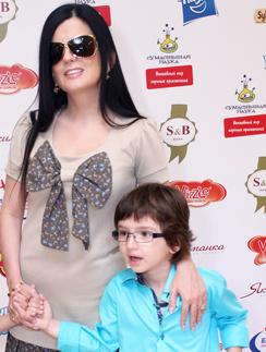 Диана Гурцкая с сыном Костей