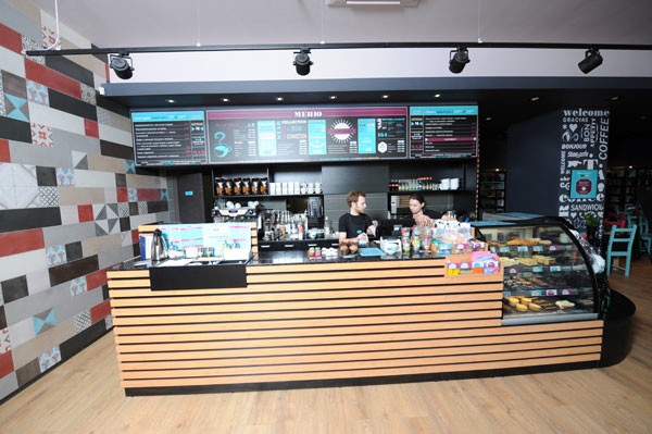 Интерьер StarHit cafe - яркий и стильный