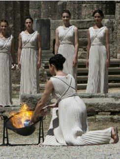 Церемония зажжения Олимпийского огня в Афинах