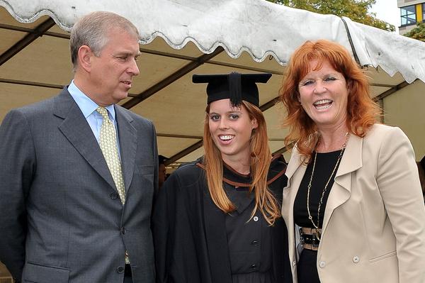 Родители Беатрис развелись в 1996 году