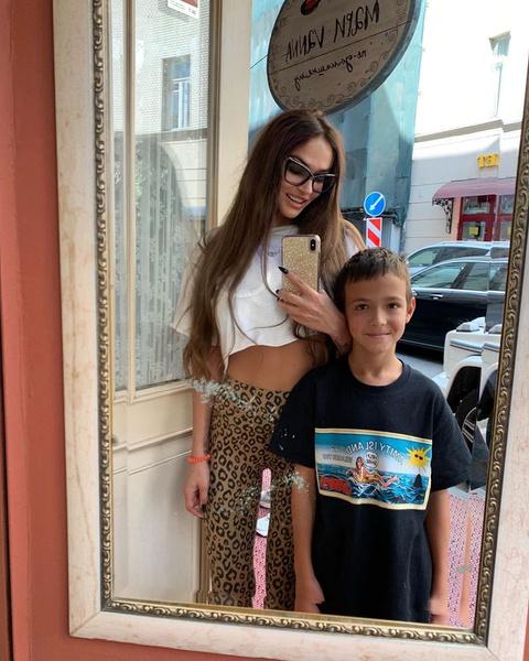 Алена воспитывает единственного сына Богдана