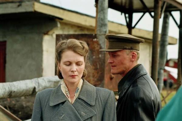 В одной из последних работ в кино Анастасия Немоляева сыграла с Алексеем Серебряковым