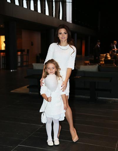Певица Леся Ярославская с дочерью