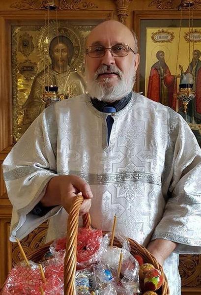 Отец Елены Летучей работает церковнослужителем