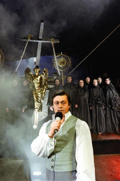 Граф Резанов в рок-опере «Юнона и Авось» – одна из самых ярких ролей, премьера спектакля состоялась 9 июня 1981 года в «Ленкоме»