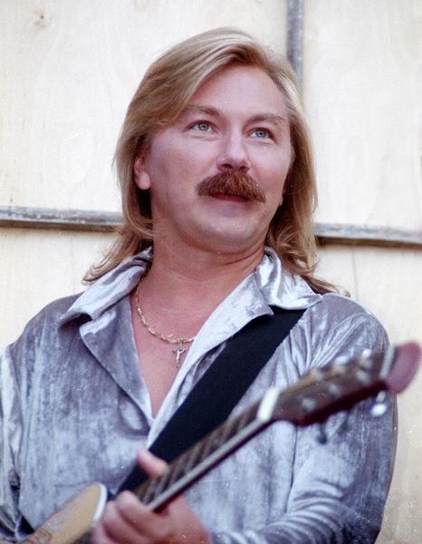 Игорь Николаев очень быстро обрел популярность на российской эстраде