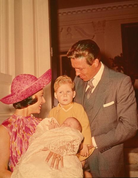 Маргарет с детьми и мужем