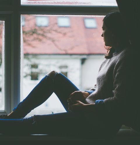 Грусть-тоска: Как знаменитости борются с депрессиеОни тоже плачут: как звезды выбираются из затяжной депрессии