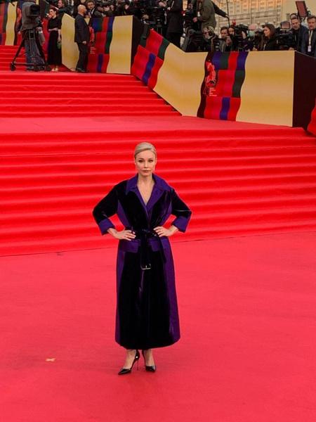 Актриса часто экспериментирует со стилем.