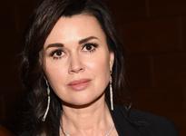 Анастасия Заворотнюк отменила спектакли после слухов о раке мозга