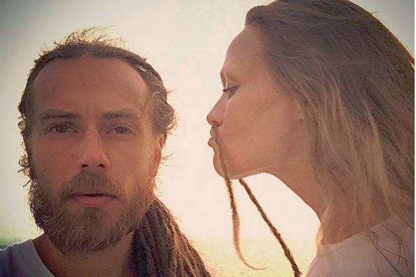 Децл и его жена Юлия