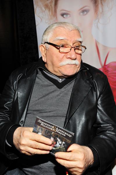 Армен Джигарханян ушел из жизни 14 ноября