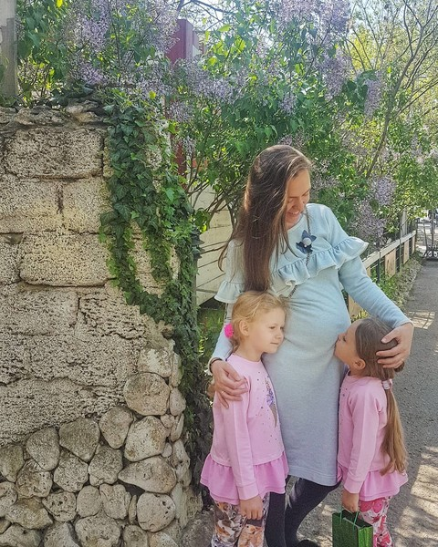 Мария Адоевцева воспитывает родную дочь и ребенка мужа