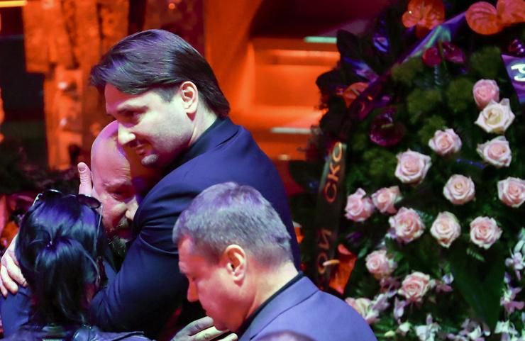 Запашный обнимает сына тренера Багдасарова