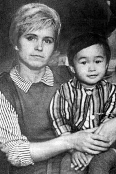 Мама пережила Виктора на 19 лет, скончавшись в 2009-м в возрасте 72 лет