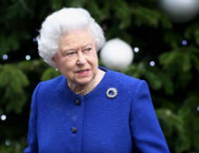 Королева Елизавета II передумала передавать престол внуку