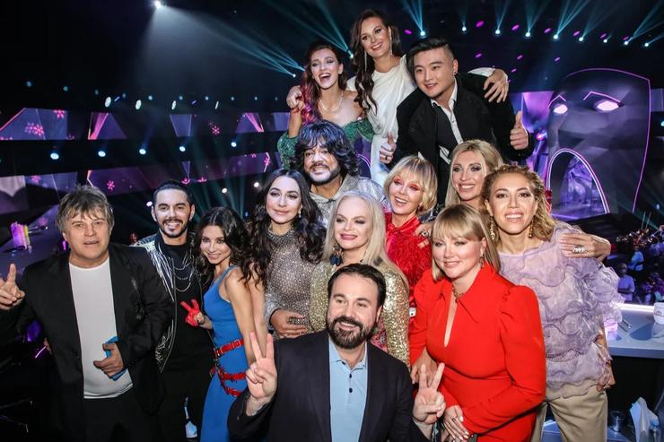 В первом сезоне участвовало 12 артистов