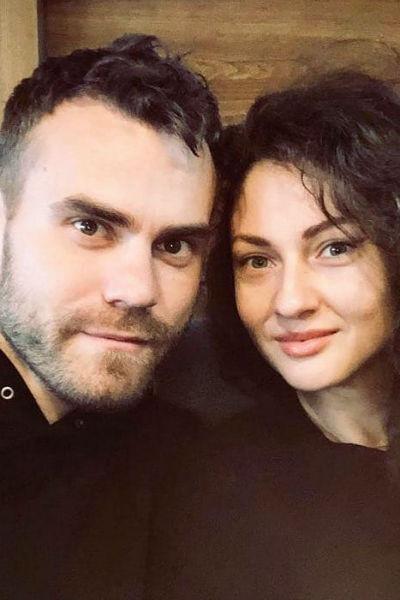 Игорь Акинфеев с супругой