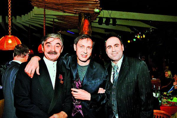 Первый сольный концерт в Кремле Николай отмечал в клубе «Тропикана» с Пригожиным и Панкратовым-Черным, 2000 год