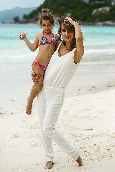 Светлана отправилась с дочерью в Майами