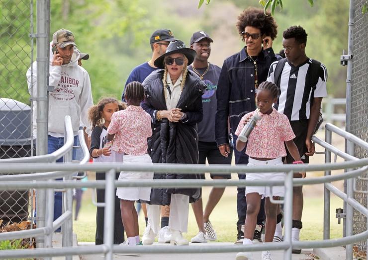 Бойфенд Мадонны давно хорошо поладил с ее младшими детьми