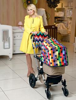 Яна и Евгений заранее выбрали коляску и кроватку для малыша