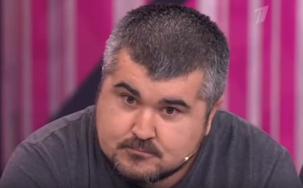 Брат Мурата уверен: мальчик мешал ему заниматься любовью с Алианой