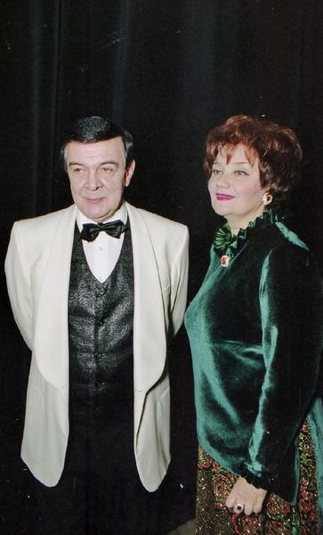 Артистов, которые сыграли главные роли, отбирала Тамара Синявская