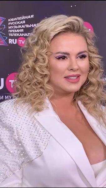 Анна Семенович заявила, что нашла нового любимого