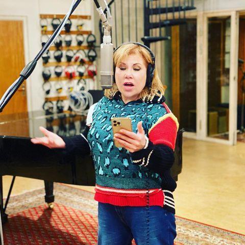 Будущая звезда эстрады записывает свой первый альбом